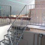 Metalltreppe zum Dachboden