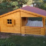 Gartenpavillon mit Terrasse
