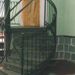 Gebogene Treppenbalustraden