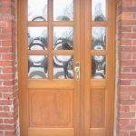 Holztüren mit Verglasung (Fenster)