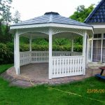 offener Holzpavillon
