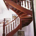 Doppeltreppe mit zwei Behandlungen